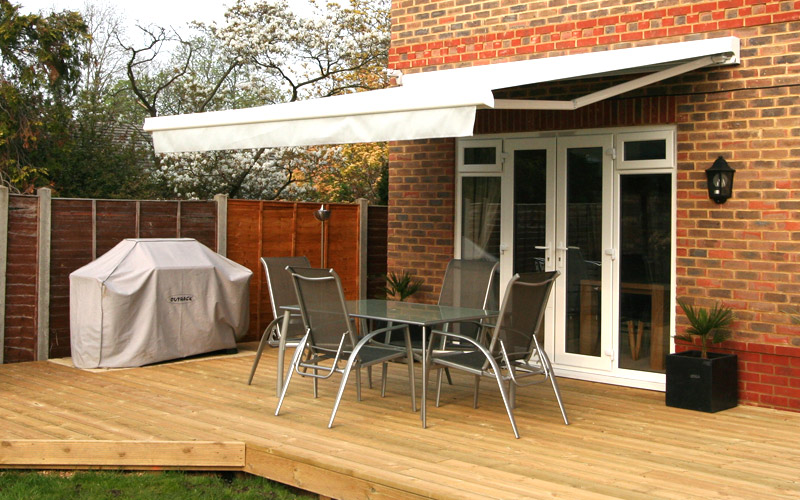 Retractable Awning Patio Cover Folding Arm 35m X 25m Motorised Beige